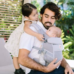 Ergobaby Nosítko Adapt Cool Air Mesh - Pearl Grey